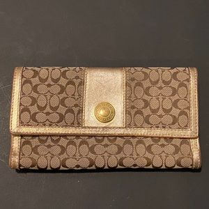 Vintage Signature Coach full size Wallet